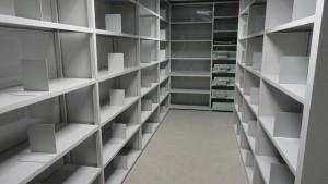 Rayonnage tôlé design adapté au classement dans les bureaux